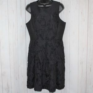 H&M Size 12 Fitted Black Brocade Rose Dres…